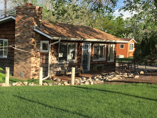 Great Place to stay Charming, Secluded Redlands Cabin Bordering the Colorado National Monument near Grand Junction