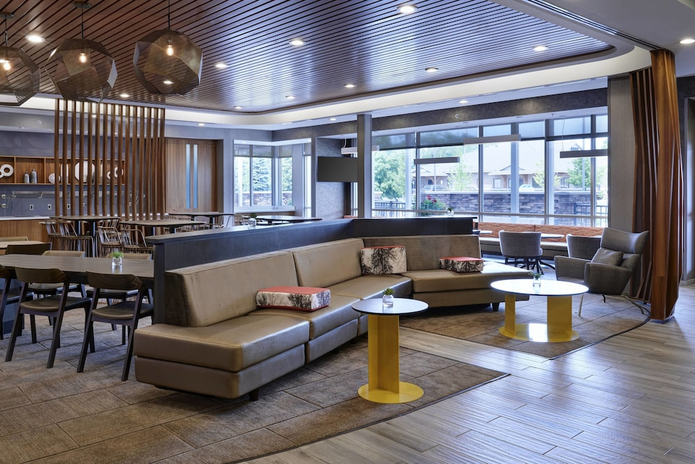 Lobby, Springhill Suites Grand Rapids West