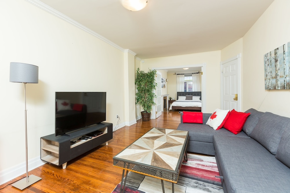 Applewood Suites - Yorkville: 2018 Room Prices, Deals & Reviews ...