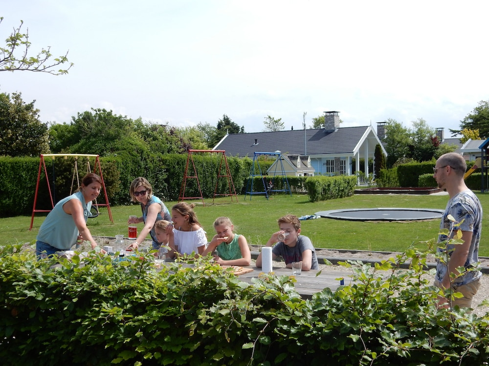 Bungalowpark De Gouden Spar In The Hague Hotel Rates