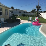 Bright and Airy Private Beach Home With Pool, Walk To The Beach, Pet Friendy