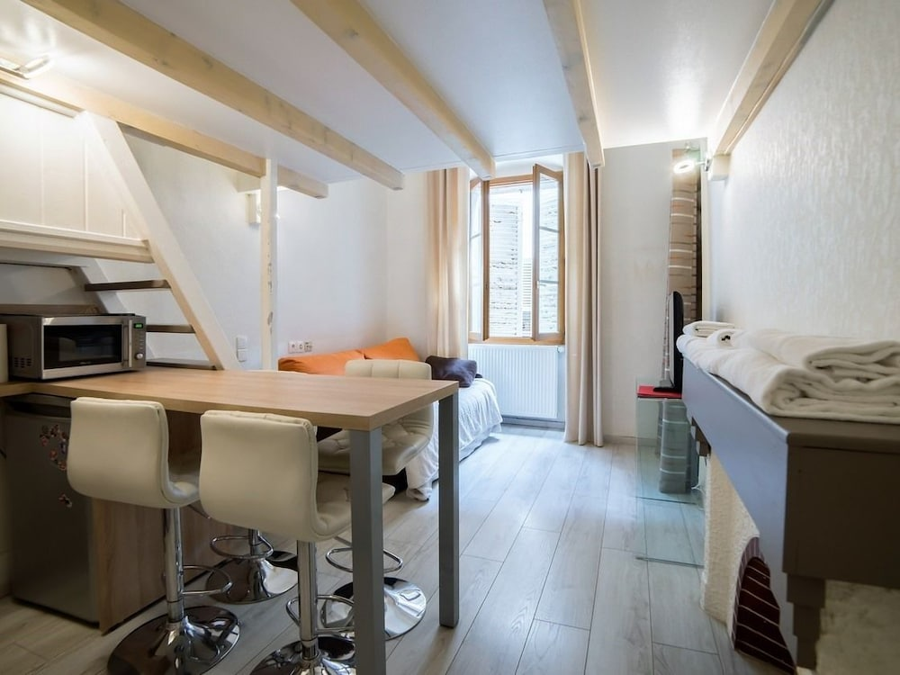 Morens Studio Mezzanine Vieille Ville, Annecy ...