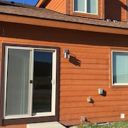 Magnum Circle 3 Bedrooms 2 Bathrooms Home By Redawning