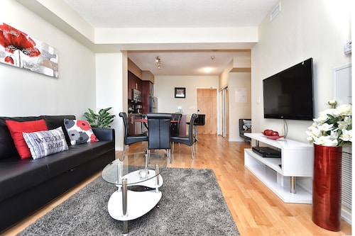 Applewood Suites - Luxury Condo (CAN 21066367 3.0) photo