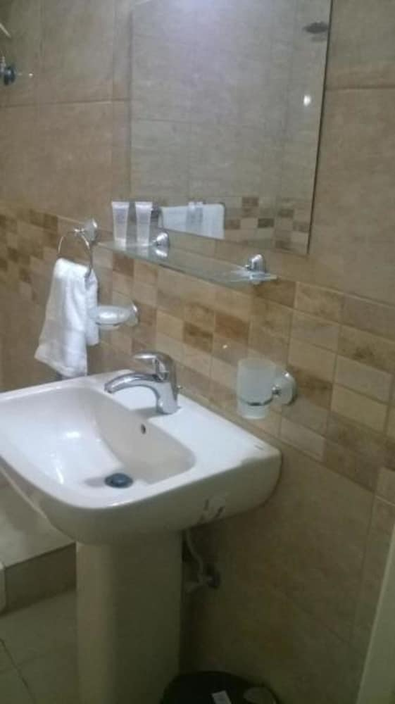 Bathroom, Hawa Amman Hotel