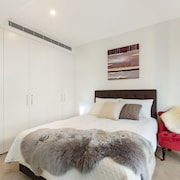 Chatswood Self Contained 1 Bed Apartment