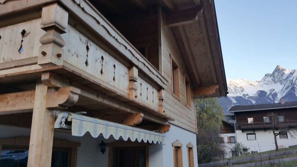 Property Entrance, Tiroler Chalet Oetztal