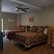 Oquossoc Country Suites