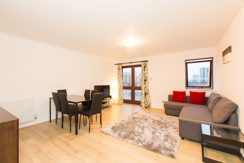 Three Bedroom Limehouse