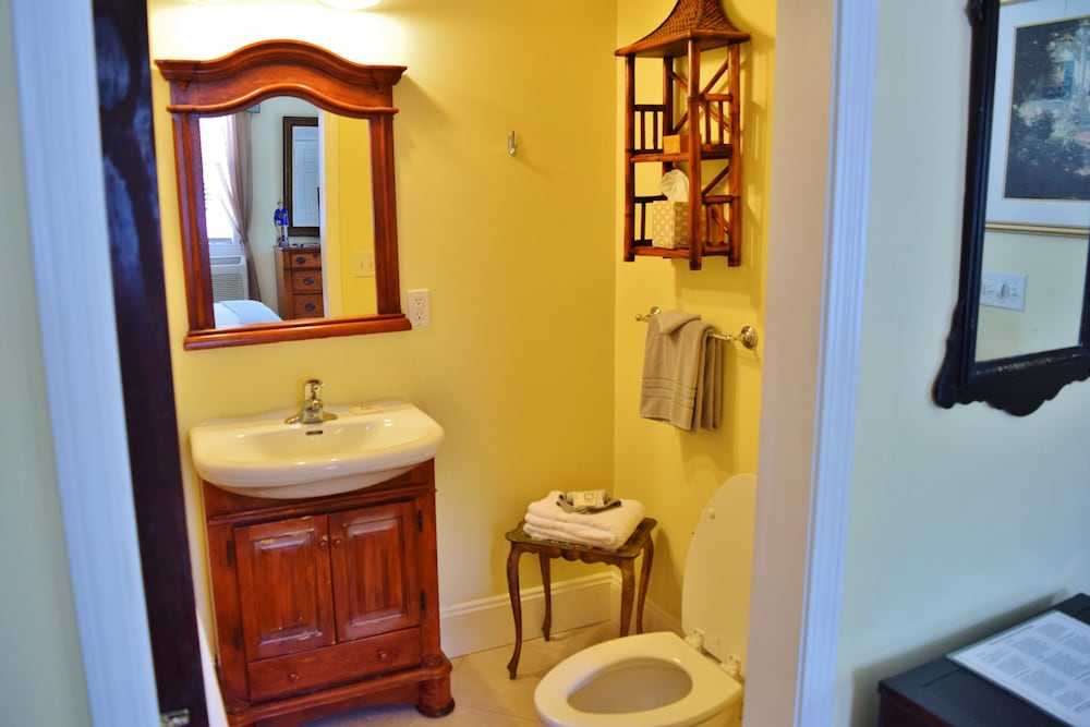 Bathroom, Grandview Bed and Breakfast Mount Dora