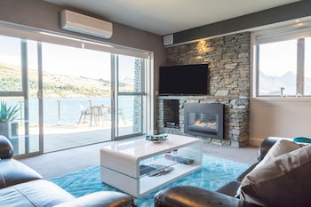 Luxury Lakefront Villas Queenstown