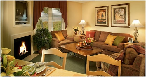 Vacation Village in the Berkshires, 2 Bedroom Luxury Suite