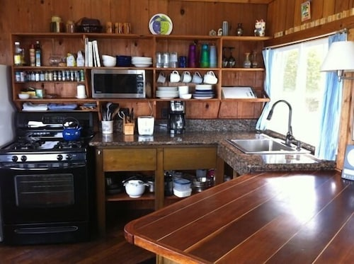 Private Kitchen, Heaven on Earth in Upcountry Maui