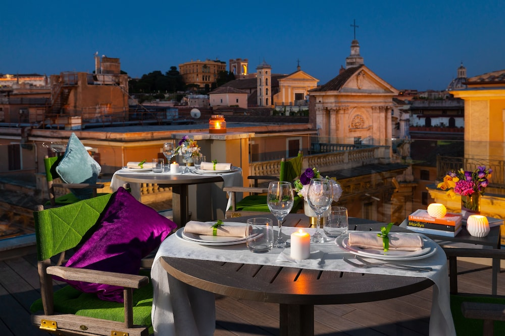 Outdoor Dining, Singer Palace Hotel