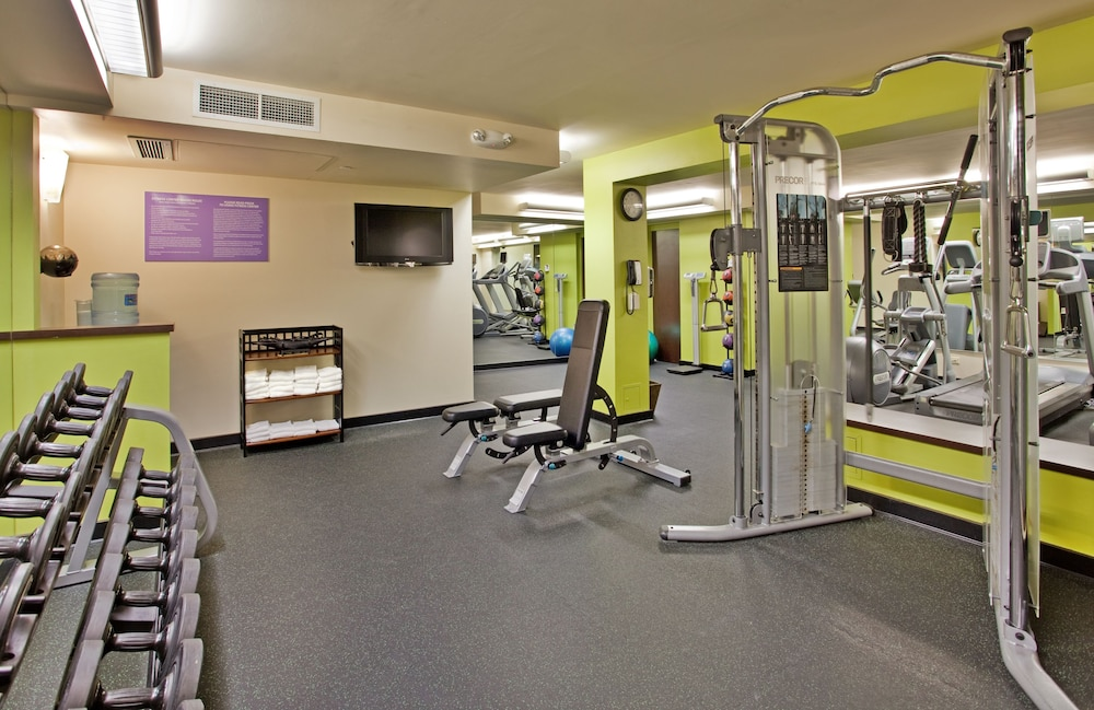 Gym, Waikiki Beachcomber by Outrigger
