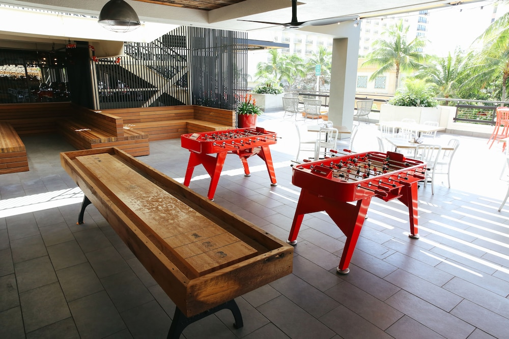 Game Room, Waikiki Beachcomber by Outrigger