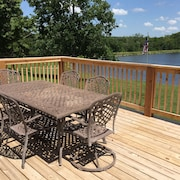 Enjoy Your Own Private 17 Acre Lake At The Cash Lodge