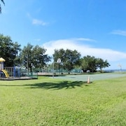 Getaway Beach Condo W/ Tampa BAY Views-1st Floor #102