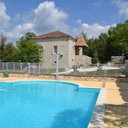 Master House With Pool House Sleeps 18 in the Heart of a Village of 82
