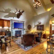 Brand New to the Rental Market! Opulently Appointed Evan's Lodge in Skaneateles