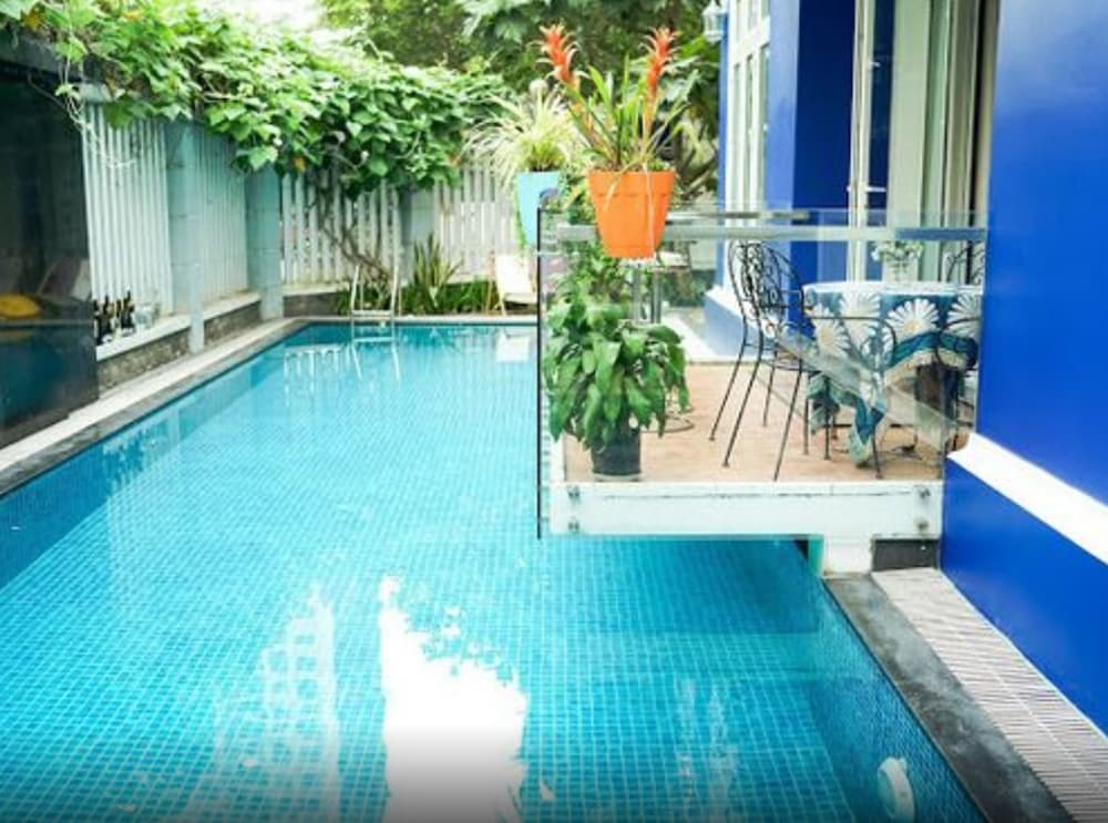 5 Bedrooms Pool Villa w Karaoke in Ho Chi Minh City | Hotel