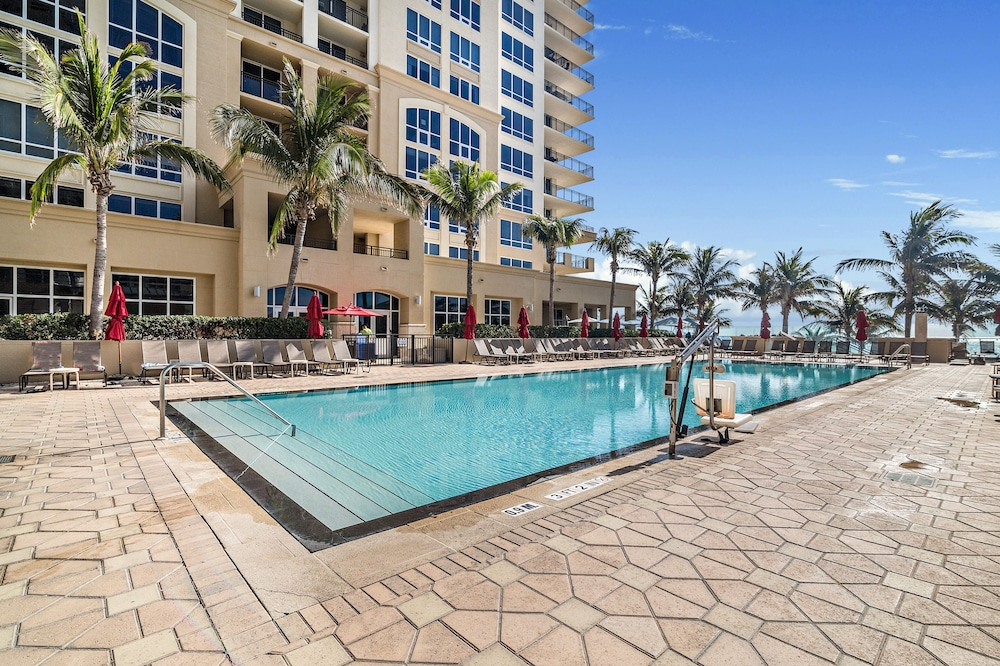 Outdoor Pool, Palm Beach Singer Island Beach Resort Condos