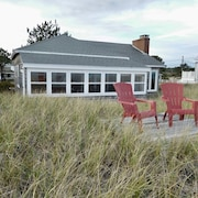 Nuovo Listing- Charming Oceanfront Cottage In Auspicabile Kinney Shores, Saco