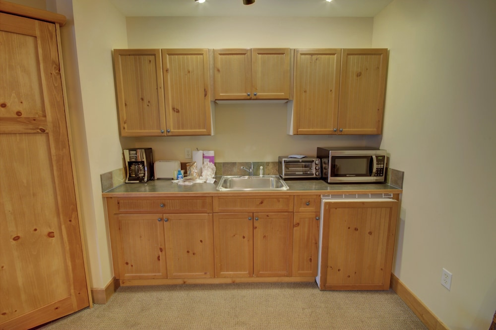 Private Kitchenette, Springs 8840