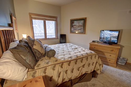 Arapahoe Lodge 8119 by SummitCove Lodging