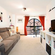 Apartment 579 m From the Center of London With Internet, Washing Machine