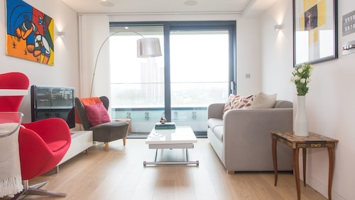 Stylish 1BR Camden Town Penthouse
