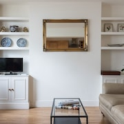 Cosy 2BR Fulham Apartment With Terrace!