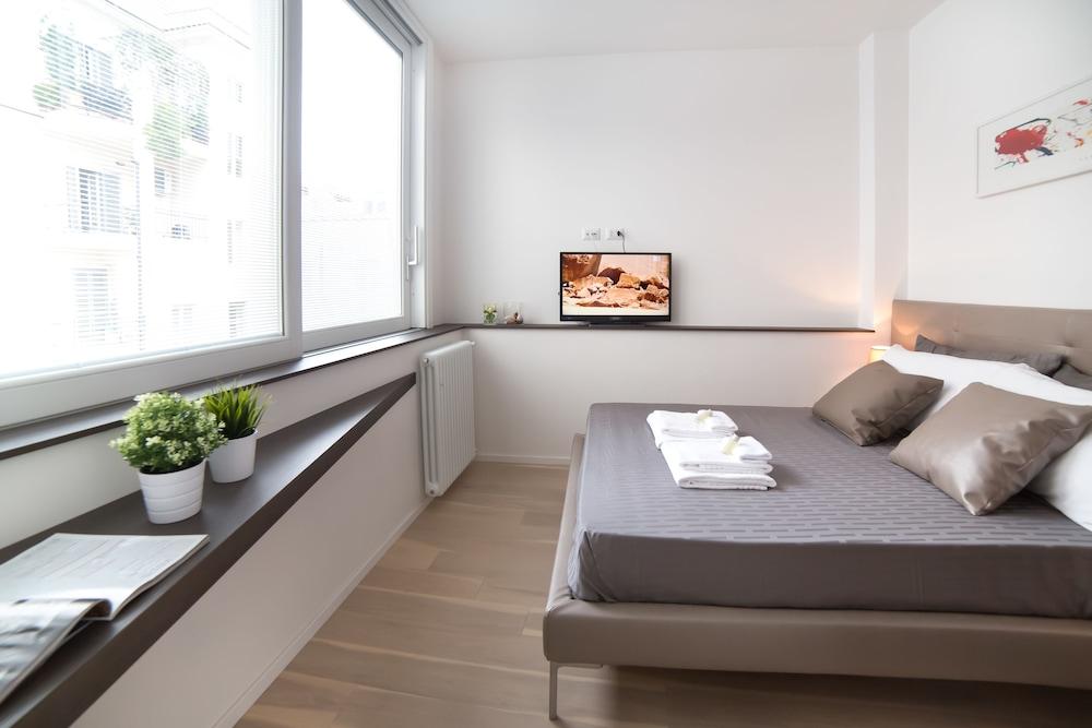 fa3f0c38c4fb1 Rent In Rome - Valentino Luxury Rome, ITA - Best Price Guarantee ...