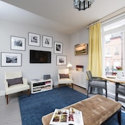Divine, Stylish 2BR in the Heart of Chelsea