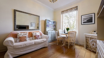 Beautiful 2BR Hyde Park & Paddington
