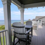 Cape Seaside - 7 Br Home