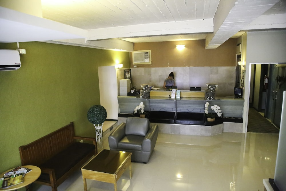 Quoalla hotel makati makati phl expedia bathroom featured image solutioingenieria Image collections