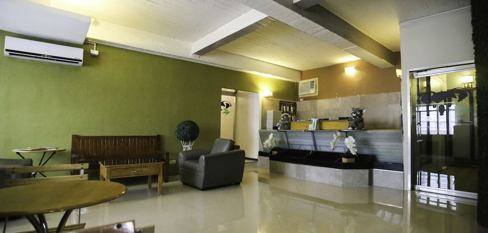 Quoalla hotel makati makati phl expedia bathroom featured image lobby solutioingenieria Image collections