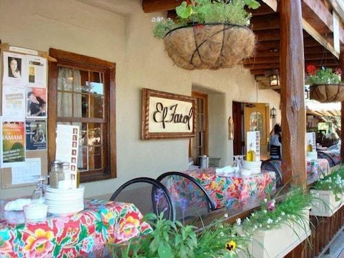 Great Place to stay Puerta Azul near Santa Fe