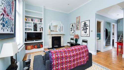 Stylish 2BR Flat in Notting Hill