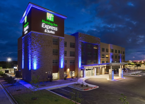Great Place to stay Holiday Inn Express and Suites San Marcos South near San Marcos
