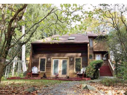 Great Place to stay Peaceful Mountain Retreat near Haverhill