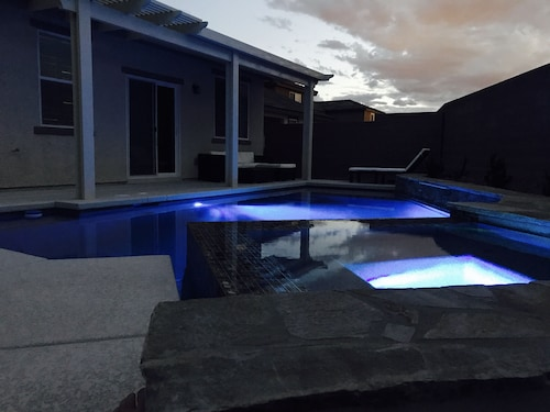 Ultra Modern Shadow Creek Desert Oasis With Pool And Infinity Spa!!
