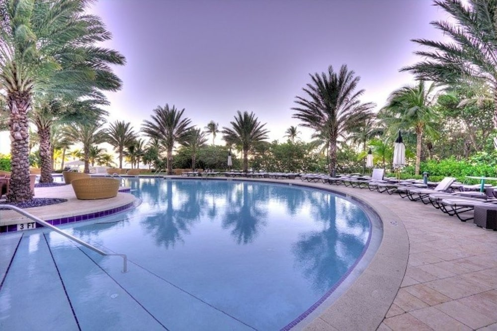 Pool, Spectacular Private Studio at 5 Star Hotel Bal Harbour North Miami Beach