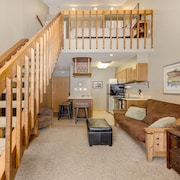Copper Mountain - Copper Junction 309. Best Value for Ski-in/ski-out Location!!