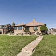 Denver City Golf Vacation Home and Summer Retreat