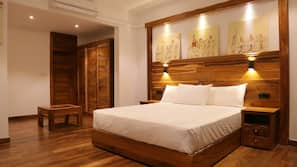 Premium bedding, minibar, blackout curtains, free WiFi