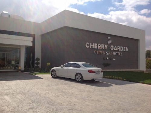 Cherry Garden City & Spa Hotel