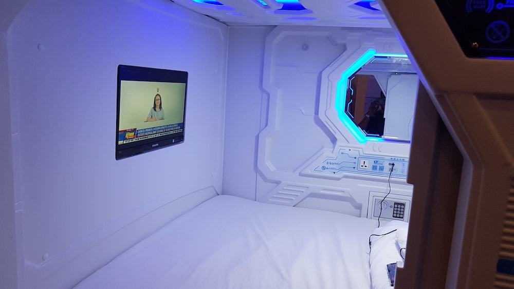 Room, Galaxy Pods at Chinatown