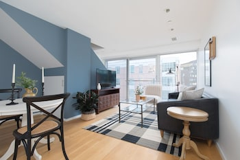 Penthouse 1BR in Seaport by Sonder